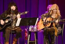 Heart recent 8x10 photograph Ann Wilson Nancy Wilson play guitars on stage