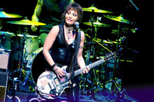 Joan Jett in concert 8x10 press photograph