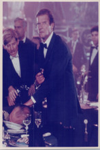 Roger Moore pulls gin in scene For Your Eyes Only 8x10 photo