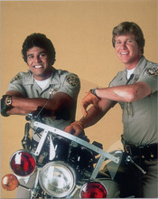 CHIPS TV series Erik Estrada Larry Wilcox pose with cop motorbike 8x10 photo