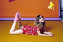 Dana Plato Diff'rent Strokes as Kimberley posing on floor 4x6 inch photo