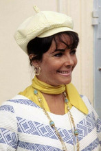 Elizabeth Taylor wears yellow hat 1960's candid smiling pose 4x6 inch photo