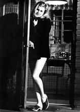 Ann-Margret full length leggy pose in short outfit R.P.M. movie 1970 5x7 photo