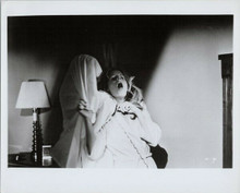 Halloween Michael Myers with sheet over head strangles P.J. Soles 8x10 photo