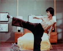 Bruce Lee classic Kung-Fu stance bare chested Fists of Fury 8x10 photo