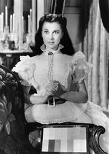 Vivien Leigh in white dress hands clasped Gone With The Wind 5x7 inch real photo