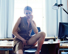 ASIA ARGENTO 8X10 PHOTO SEXY LEGGY POSE