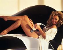 Farrah Fawcett Barefoot Recling On Couch Sexy 8x10 Photo(20x25cm)