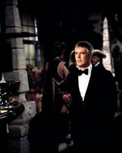 George Peppard looks dapper in tuxedo holding cigar Banacek TV series 8x10 photo