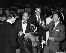 FRANK SINATRA HUMPHREY BOGART RARE CANDID IMAGE 8X10 PHOTO