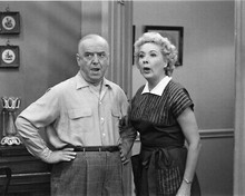 Vivian Vance And William Frawley B&W 8x10 Photo (20x25 cm approx)