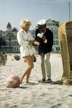 Some Like it Hot Marilyn Monroe Tony Curtis Coronado Hotel beach scene 8x10photo