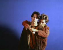 My Own Private Idaho River Phoenix hugs Keanu Reeves 8x10 inch photo