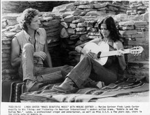 Bobbie Jo and the Outlaw 8x10 photo Lynda Carter plays guitar