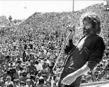 Kris Kristofferson performs before crown A Star is Born 8x10 inch photo