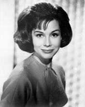 Mary Tyler Moore smiling as Laura Petrie Dick Van Dyke Show 8x10 inch photo