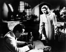 Casablanca Humphrey Bogart drinks to forget Ingrid Bergman 8x10 inch photo