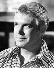 George Peppard in checkered shirt & classic smile as banacek 8x10 inch photo