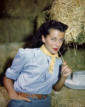 Gail Russell beautiful Paramount star in hay loft glamour pose 8x10 inch photo