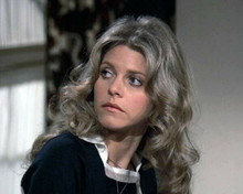 Lindsay Wagner looks over her shoulder as The Bionic Woman 8x10 inch photo