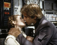 The Empire Strikes Back Solo & Leia kiss Harrison Ford Carrie Fisher 8x10 photo