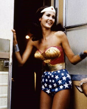 Lynda Carter in her Wonder Woman outfit enters her trailer on set 8x10 photo