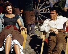 The Pride and The Passion 1957 Sophia Loren & Frank Sinatra on set 8x10 photo