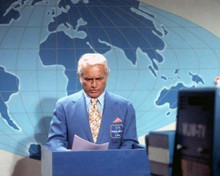 Mary Tyler Moore Show Ted Knight as anchorman Ted Baxter reading news 8x10 photo