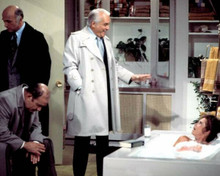 Mary Tyler Moore Show Mary in bathtub Lou Murray & Ted look on 8x10 inch photo