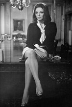 Joan Collins shows off legs sitting on desk 1970 The Executioner 4x6 inch photo