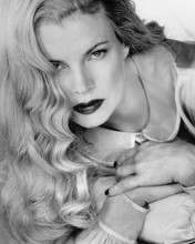 Kim Basinger beautiful studio portrait 1997 L.A. Confidential 8x10 inch photo