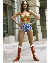 Lynda Carter stunning pose in her classic Wonder Woman costume 8x10 inch photo