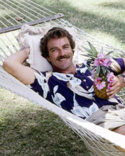 Tom Selleck sits in hammock with Hawaiian cocktail as Magnum 8x10 inch photo