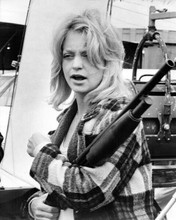 Goldie Hawn holding shotgun The Sugarland Express 8x10 inch photo