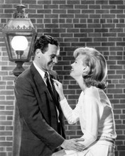 Days of Wine and Roses 1962 Jack Lemmon & Lee Remick by lamp post 8x10 photo