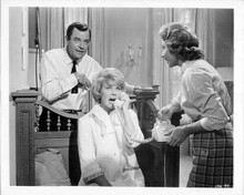 That Touch of Mink 1962 original 8x10 photo Gig Young Doris Day Audrey Meadows