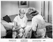 That Touch of Mink 1962 original 8x10 photo Doris Day Audrey Meadows in bedroom