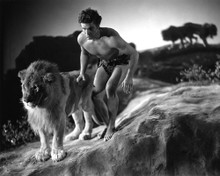 This is an image of Photograph & Poster of Buster Crabbe 102789