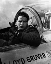 This is an image of Photograph & Poster of Marlon Brando 102879