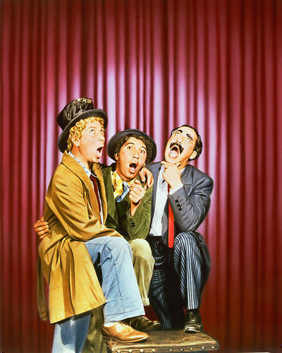 This is an image of Photograph & Poster of The Marx Brothers 250784