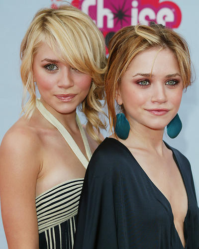 This is an image of Photograph & Poster of The Olsen Twins 262357