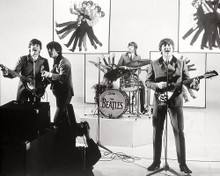 This is an image of Photograph & Poster of The Beatles 194604