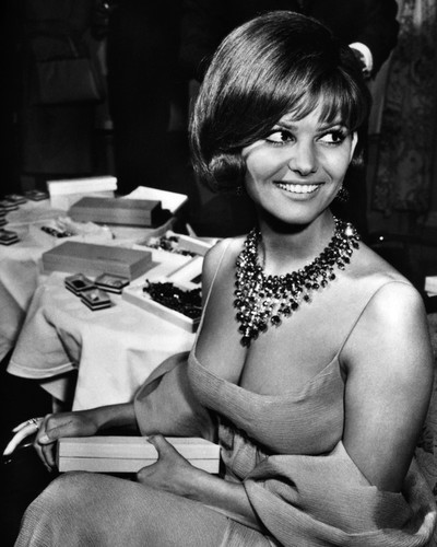 This is an image of Photograph & Poster of Claudia Cardinale 102897