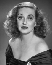 This is an image of Photograph & Poster of Bette Davis 102964