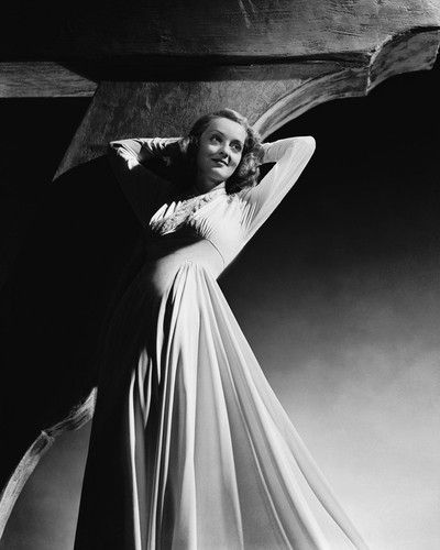 This is an image of Photograph & Poster of Bette Davis 102965