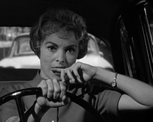 This is an image of Photograph & Poster of Janet Leigh 102969