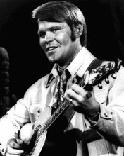 This is an image of Photograph & Poster of Glen Campbell 102973
