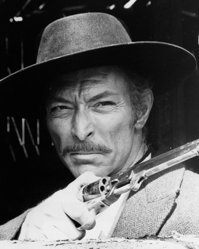 This is an image of Photograph & Poster of Lee Van Cleef 102986