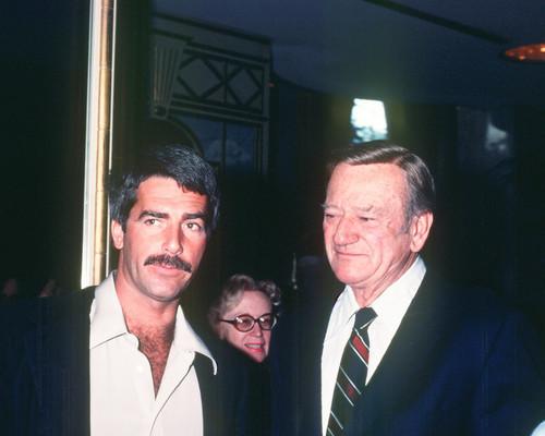 This is an image of Photograph & Poster of John Wayne 298392
