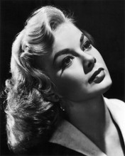 This is an image of Photograph & Poster of Leslie Parrish 103128